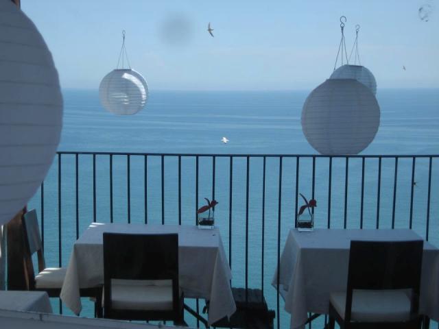 L'orizzonte visto dal ristorante Porta di Basso a Peschici