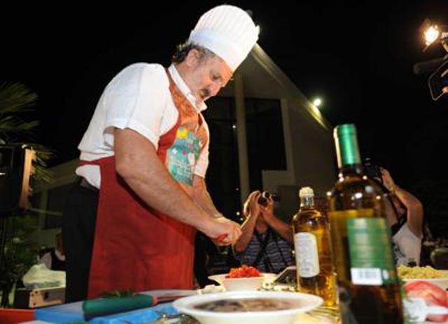 Michele Emiliano alla prima edizione di Sindaci ai fornelli