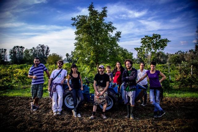 Foto di gruppo: i contadini 3.0 di karadrà