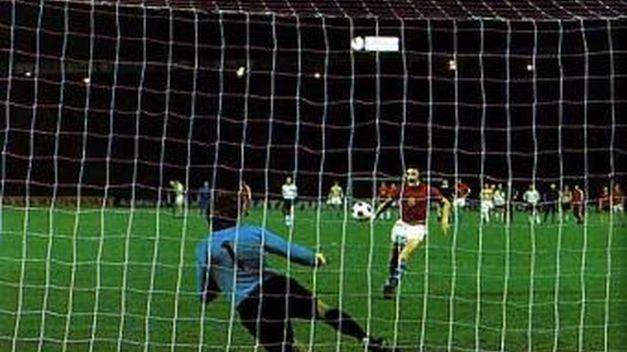 20 giugno 1976: il rigore di Panenka contro Maier nella finale degli Europei