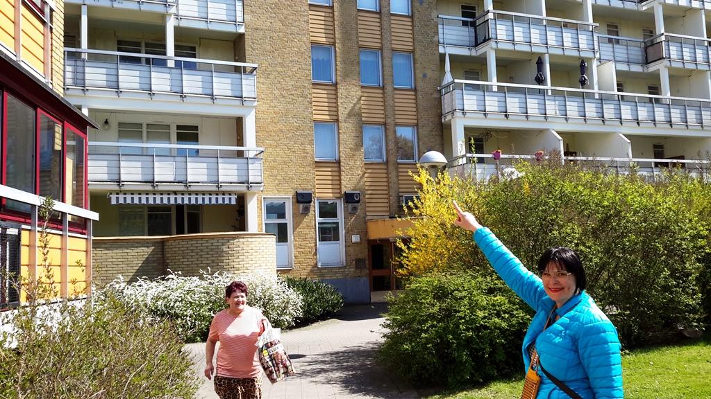 Anna, amica di infanzia, nel quartiere di Rosengard