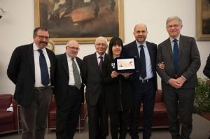 1 premio poesia edita Riccardo Russo ritira il premio la sorella_preview