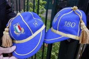 I cap azzurri con i numeri 147 (Luciano) e Roberto (180)