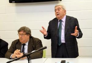 Zambelli parla a fianco di Toffano (presidente Petrarca)