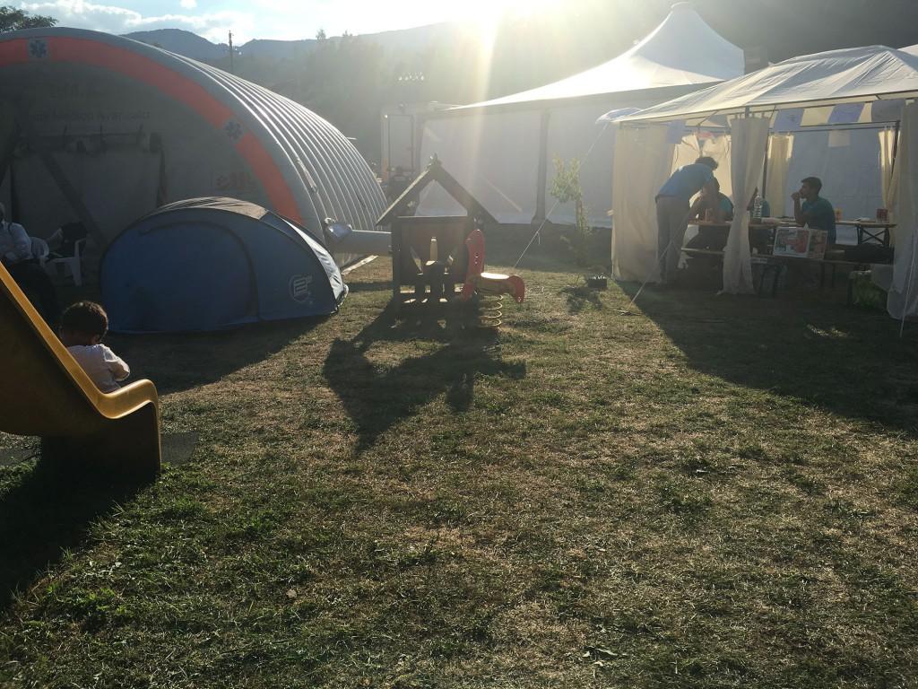 Operatori e psicologi supportano la popolazione sfollati di Accumoli