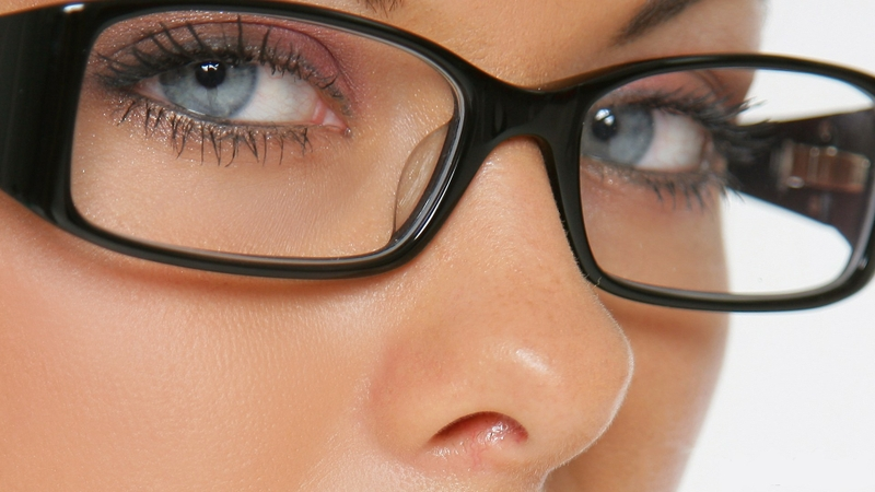 women closeup blue eyes glasses faces girls with glasses 1920x1080 wallpaper_www.wall321.com_17