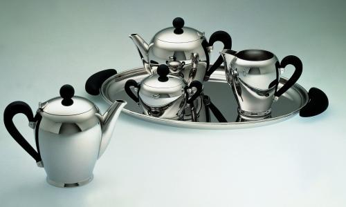 Bombè, set di tè e caffè, disegnato da Carlo Alessi per Alessi nel 1945