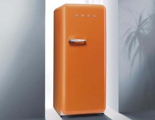 FAB28 Smeg, frigo chesi ispira al vintage, 1.175 euro