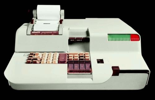 """<U><FONT color=#0000ff>&nbsp;il calcolatore elettronico Programma 101 del 1965 </FONT></U><A href=""""http://www.storiaolivetti.it/"""">www.storiaolivetti.it</A> - Associazione Archivio Storico Olivetti, Ivrea"""