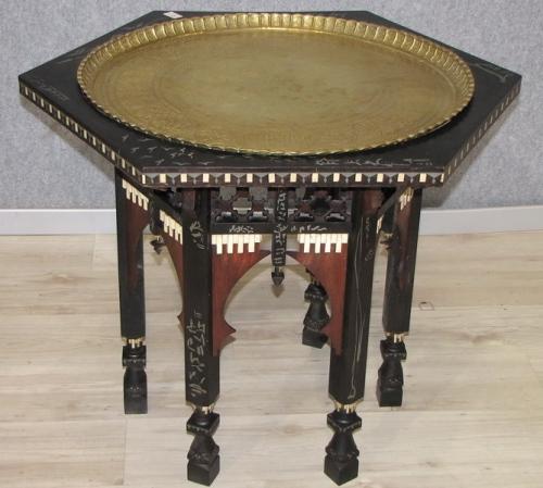 Tavolo esagonale, legno, rame, metallo e osso, cm 69