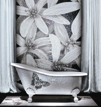 I mosaici di Sicis impreziosiscono i bagni, con i motivi floreali e colori lunari: è la linea Sultan
