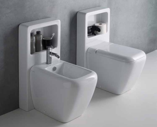 L'imperativo è tutto in poco spazio: bidet e wc diventano contenitori, in Magic box di Ceramica Cielo