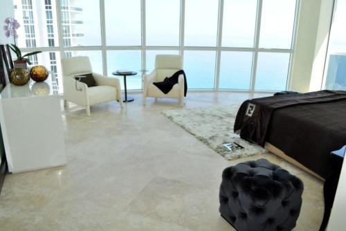 Fendi Casa arreda l'appartamento più grande e suggestivo dell'intero complesso, con vista mozzafiato sull'oceano