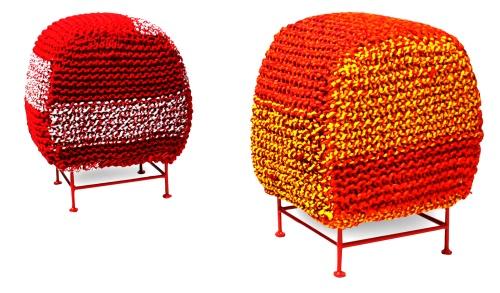 Il The Katran Beetle Pouf <BR>di Sahil Bagga e Sarthak Sengupta riusa coloratissimi materiali di scarto <BR>della lavorazione tessile <BR>e riprende la trama e l?intreccio dell?uncinetto. Fatto <BR>con le donne del gruppo<BR>di auto aiuto Laksh Foundation