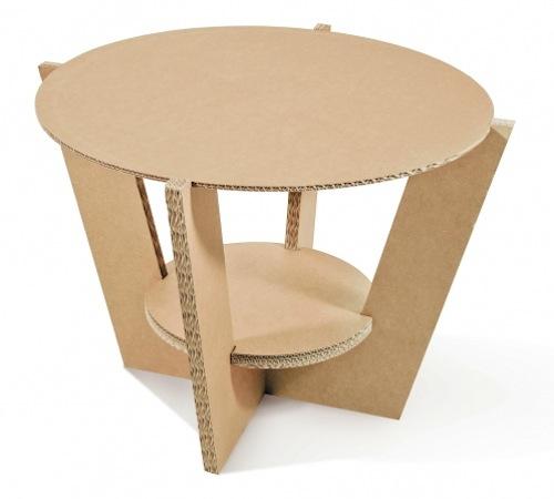 Comodino o tavolo di appoggio, Suarè up di Etcetera si smonta facilmente e può essere riposto in piccoli spazi
