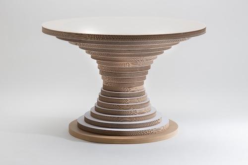 Cartone mdf e legno, con piano disponibile anche in vetro o metacrilato, per il tavolo di Lessmore
