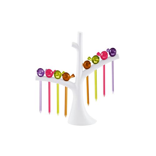 Per chi ama fare party e apericene, il set a forma di albero. Di Koziol, su madeindesign.it a 21,10 euro