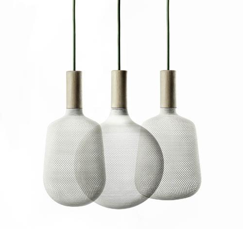 Tradizione e innovazione nelle lampade di Alessandro Zambelli per Ex Novo: in legno altoatesino e nylon stampato in 3d