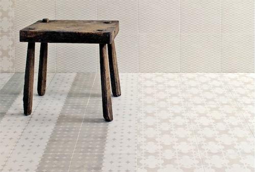<p>Azulej di Patricia Urquiola per Mutina: un tappeto, da comporre a  piacere, in gres porcellanato rettificato smaltato con stampa digitale a  fredda</p>