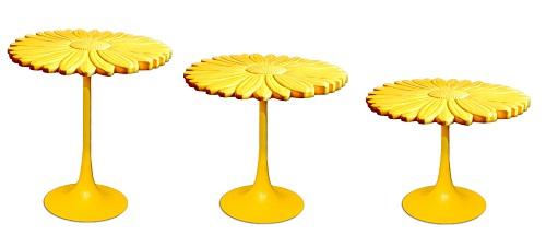 Piano in polietilene per il tavolo disegnato da Patrizia Pozzi per Serralunga