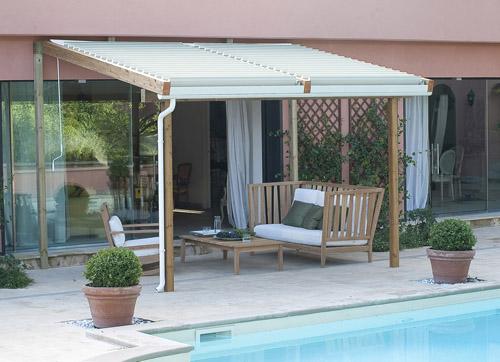 Solange di Unopiù, struttura in legno lamellare e copertura in lamelle di alluminio verniciato