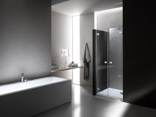 La doccia di Provex, con cerniere invisibili, può inserirsi anche nel living