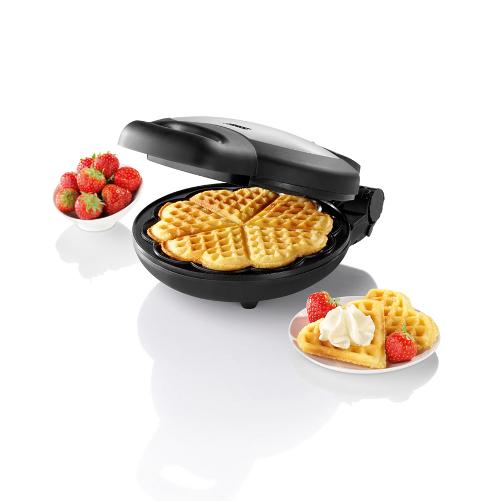 Per un San Valentino all'insegna della dolcezza e per gli amanti dei waffle, Princess propone una piastra ideata per preparare sottili cialde a forma di cuore (34,90 euro)