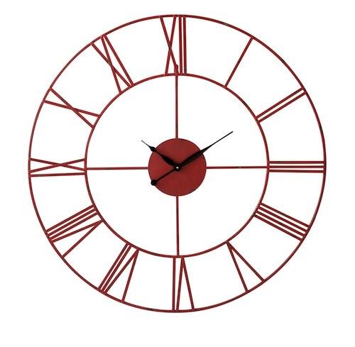 Da Maisons du Monde, un grande orologio in metallo anticato (ha il diametro di un metro)