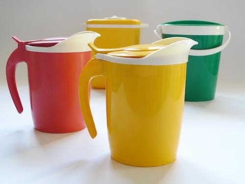La rivoluzione Kartell: plastica colorata e di design per servire e consumare il cibo