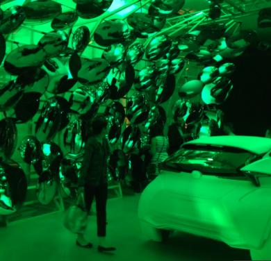 Best Entertainment a Lexus, con l'installazione A journey of the senses, un percorso realizzato da Philippe Nigro diviso in tre tappe che ha coinvolto tutti i sensi, anche il gusto con la presenza della chef pluristellato Hajime Yoneda