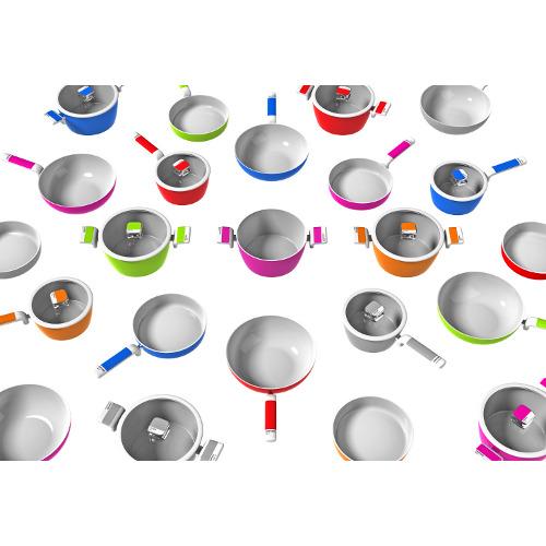 Moneta Pantone Universe: la collezione è stata disegnata da Luca Trazzi ed è disponibile in quattro differenti tipologie di strumenti di cottura nei sei colori Pantone 225C fuxia, Pantone 186C rosso, Pantone 1505C arancio, Pantone 375C verde, Pantone 2728C blu e Pantone Cool Gray 8 C. Prezzo da € 72 a 104