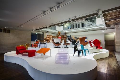 """Parigi, Sala """"Les assises du siège contemporain"""" © Les Art décoratifs. Foto di Luc Boegly"""