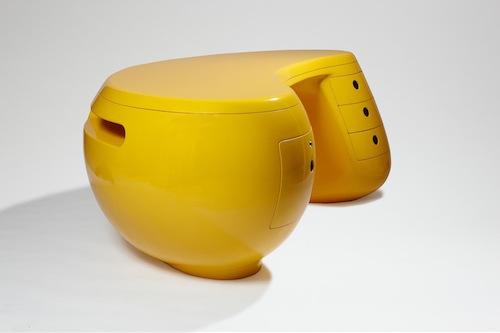 Bureau Boomerang' di Maurice Calka. Uno degli oltre 1.100 oggetti di design che sarà possibile ammirare al Museo Plasticarium-Art & Design Atomium di Bruxelles