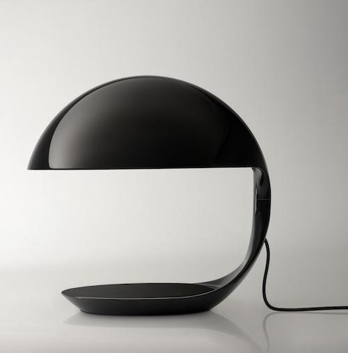 Lampada Cobra di Martinelliluce, Museo Plasticarium-Art & Design Atomium di Bruxelles