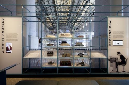 """L'esposizione """"Interface: People, machines, design"""", fino all'11 ottobre, mostra come il design nel XX secolo sia stato applicato ai prodotti tecnologici, Museum of Applied Arts & Sciences, Sydney"""