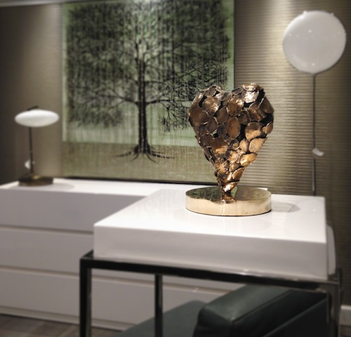 La scultura Sbr - Stop Breathe Respect in bronzo dorato (anno 2014) dell'artista Fabio Pietrantonio, prezzo  riservato