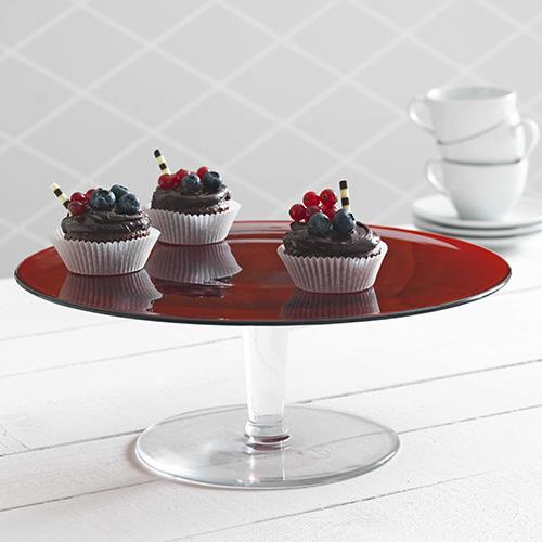 L'alzata di Ikea è ideale per servire i dolci, è rossa come il colore protagonista della festa degli innamorati (16,99 euro)
