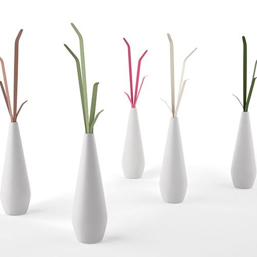 """Kadou di Bonaldo richiama le forme di un vaso di fiori tradizionale giapponese: il suo nome significa appunto """"l'arte dei fiori"""" (320 euro)"""