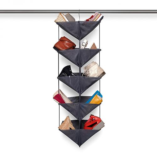 Può contenere fino a 20 paia di scarpe l'organizer per scarpe di Umbra (35 euro)