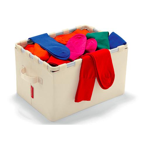 Perfette per organizzare al meglio il guardaroba. Le scatole Framebox di Reisenthel sono solide e compatte poiché dotate di una struttura interna in alluminio (22,95 euro)
