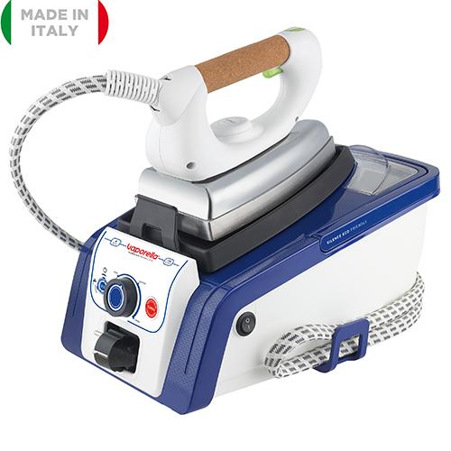 La Vaporella Silence Eco Friendly di Polti stira in modo più silenzioso, rispettando la quiete domestica. Consente un risparmio energetico fino al 35% e di acqua fino al 40%, è dotata di 4 programmi di stiratura pre-impostati che, in base al tipo di tessuto ( lana, cotone, lino e seta), regolano automaticamente la temperatura del ferro e la pressione vapore (modello 19.55, 279 euro)
