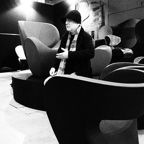 Anche l'Università degli Studi dedica al designer un evento: in programma la mostra fotografica di Tom Vack che interpreta alcune celebri creazioni del progettista