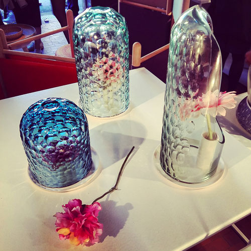 Lampade e contenitori per fiori di Bilge Nur Saltik
