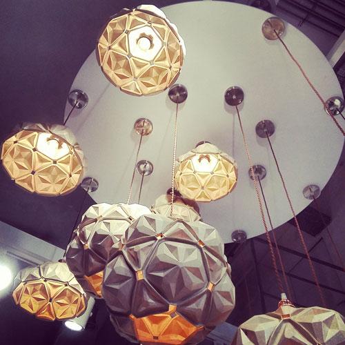 La lampada Penta - 01, 32x32x32 cm, di Anon Pairot per Eqo/ogist