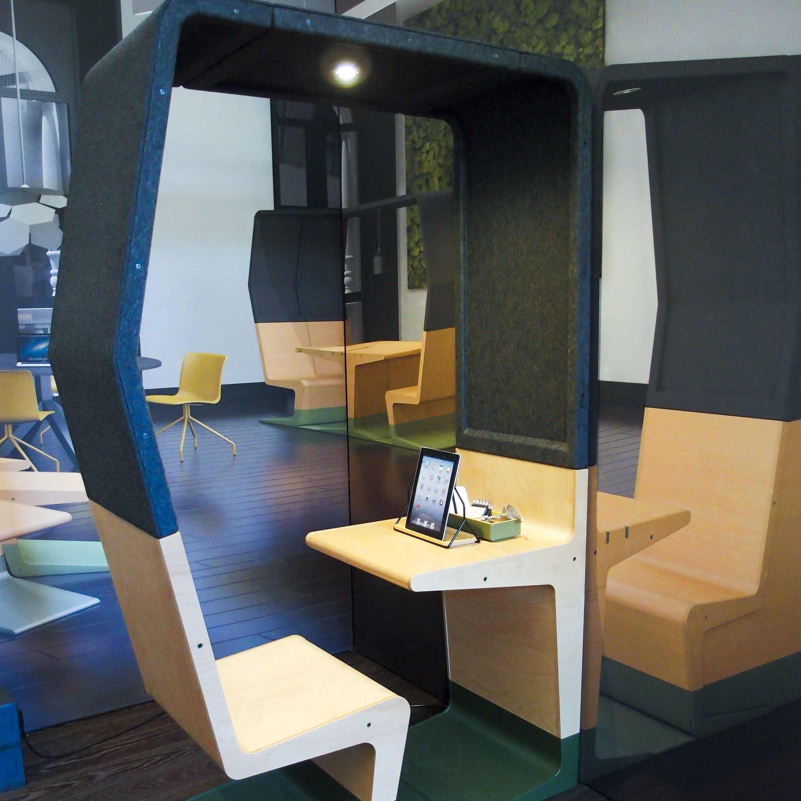 Masterly, The Dutch in Milan: prototipo per una postazione da ufficio