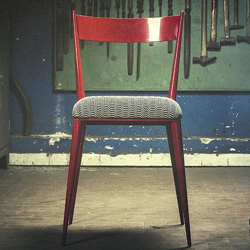 Berta, sedia di ferro laccato con cuscino in cotone di Vittorio Bruno, categoria Metalli