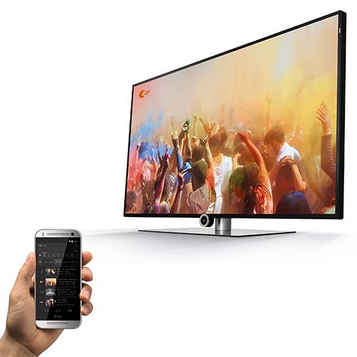Loewe One si distingue per uno schermo totalmente privo di cornice. Offre il servizio di Audio on Demand Tidale ed è possibile assistere a una trasmissione televisiva e registrarne contemporaneamente un'altra su un hard disk USB esterno