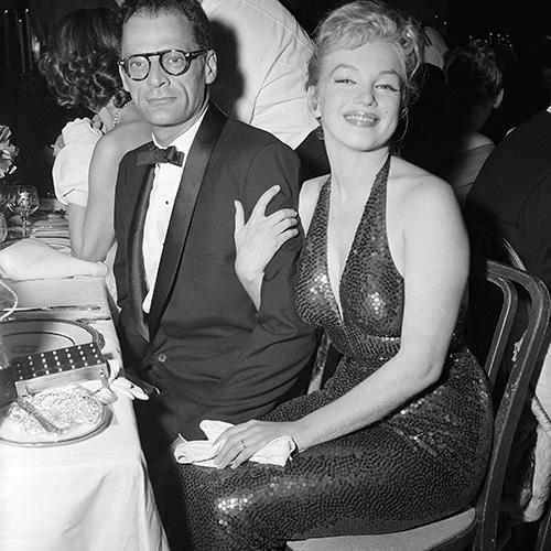 Fu anche un periodo difficile: nonostante molti tentativi, la coppia non riuscì mai ad avere il figlio che tanto desiderava Marilyn