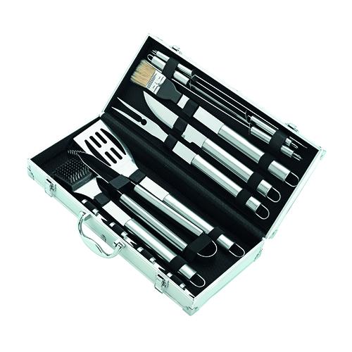 Completo set di accessori da barbecue di Leroy Merlin (40.90 euro)