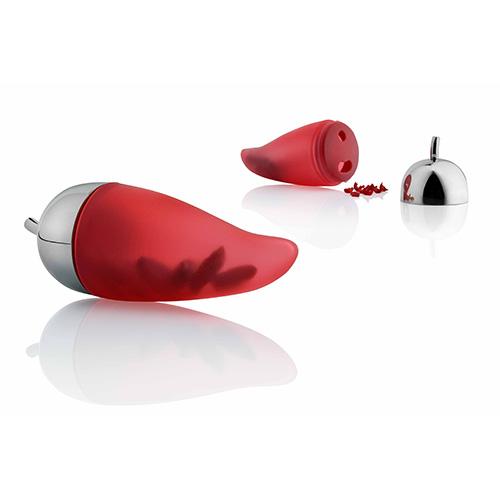 Piccantino di Alessi ricorda il cornetto portafortuna napoletano. È uno sminuzza peperoncino che permette di evitare il contatto diretto la spezia, irritante per pelle e mucose (16 euro)
